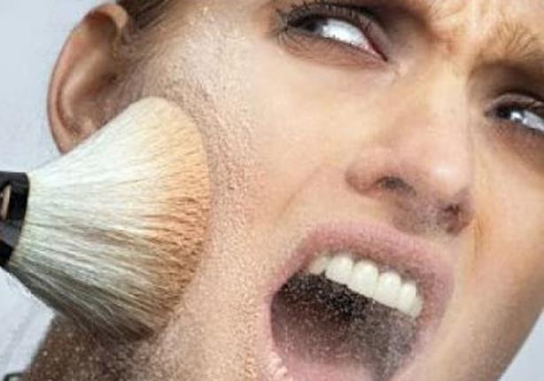 ألق نظرة سريعة على أضرار مستحضرات التجميل على البشرة